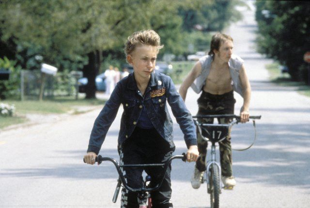 Still of Jacob Reynolds and Nick Sutton in Gummo (1997)
