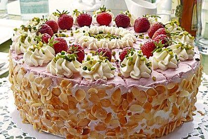 Photo of Strawberry Cream Cake by holunderbluete67 | chef