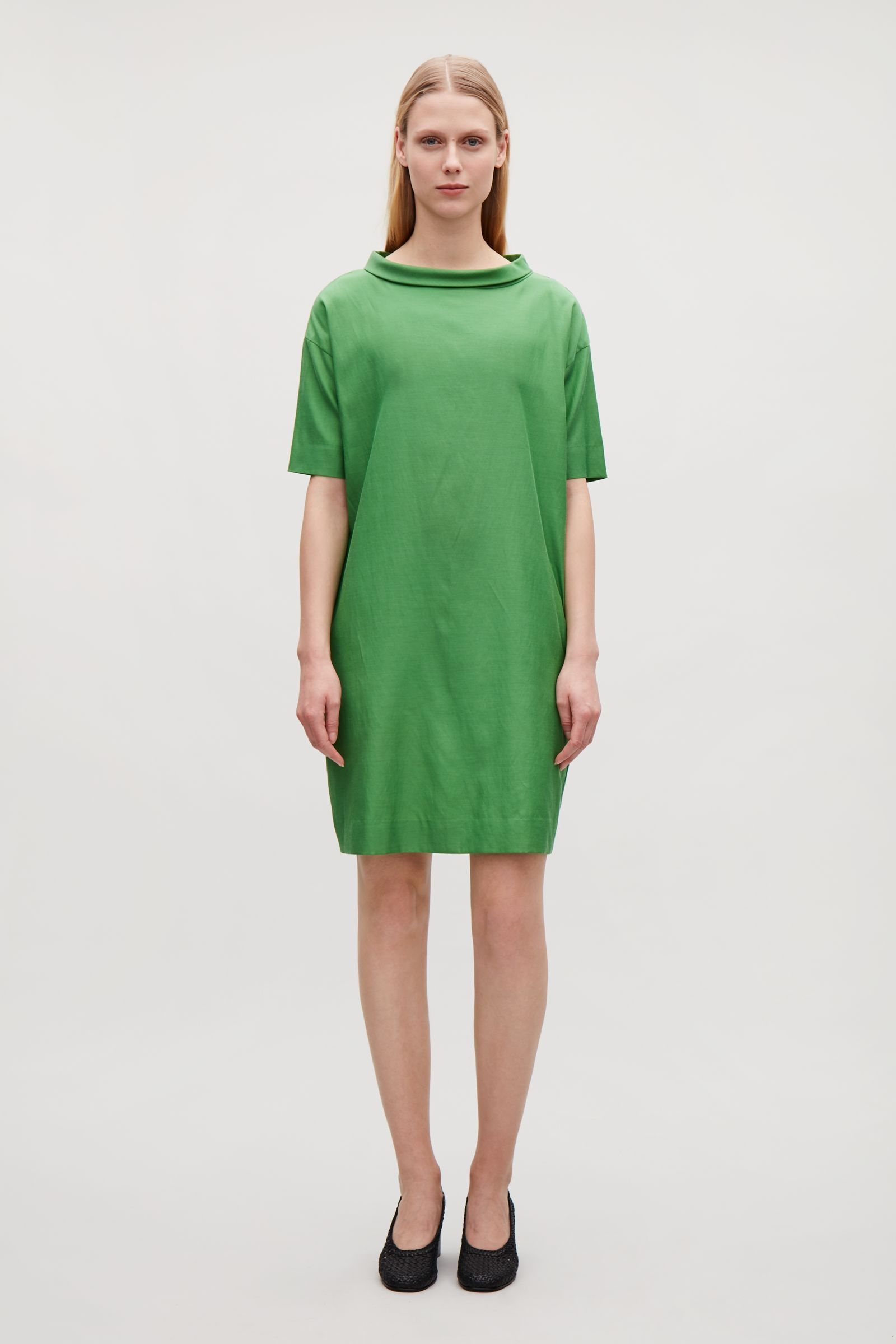 9cdd16837927e7 COS image 1 of Draped dress with folded collar in Green | Evi