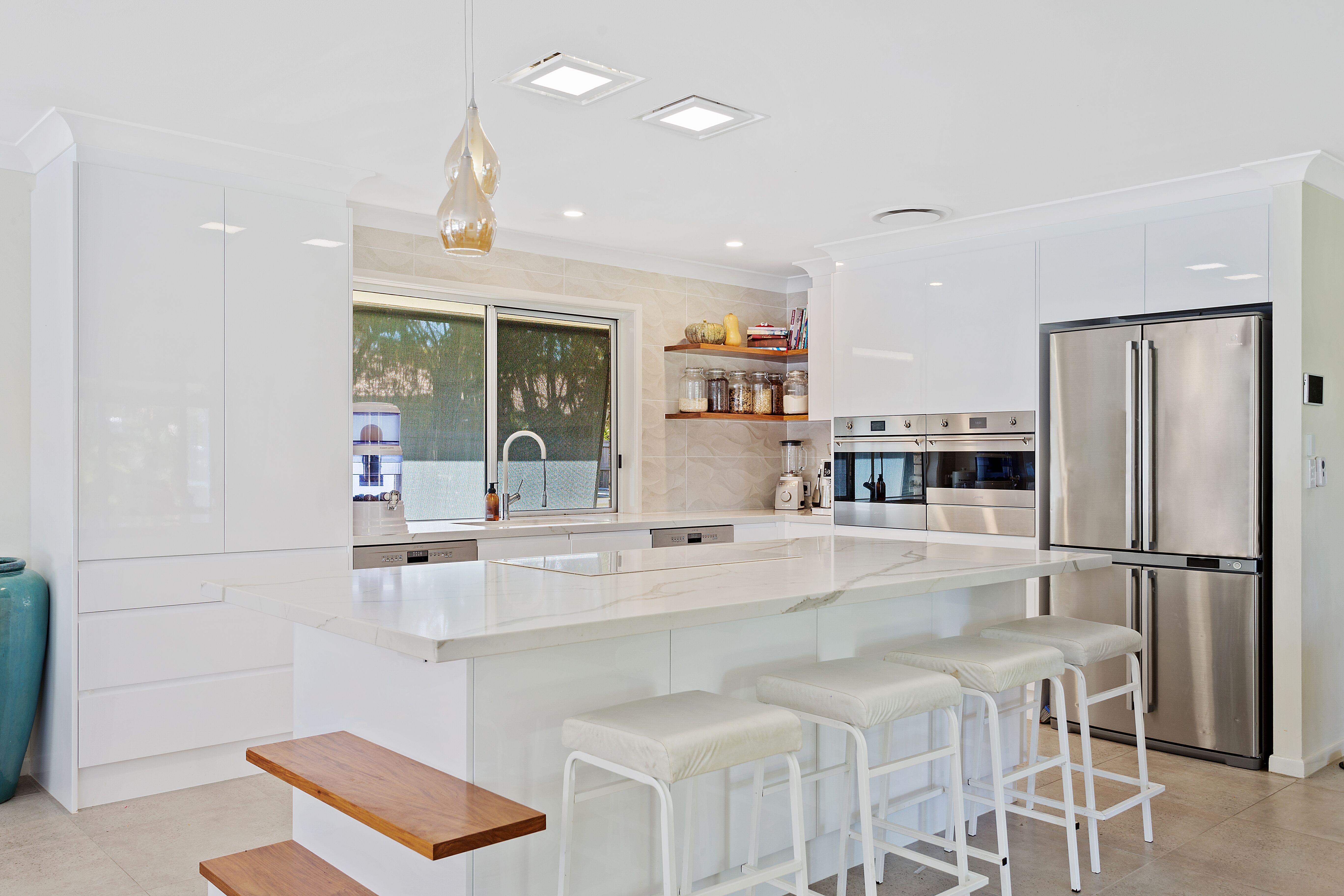 100% Gloss White 2pac ~ Polytec Ultraglaze doors, draws & panels ...