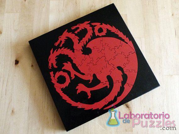 Targaryen Wooden jigsaw puzzle  / por Laboratoriodepuzzles en Etsy, €15.00