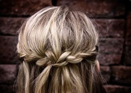 wrap around braid. soo cuttee.!