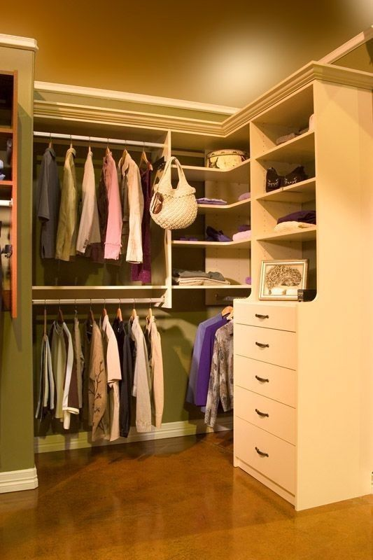 Walk In Closet 102 Hutch Style Drawer Section Gives You Deeper Drawers And Easier Access Into The Corner L Shaped Shelves Can Be Useful