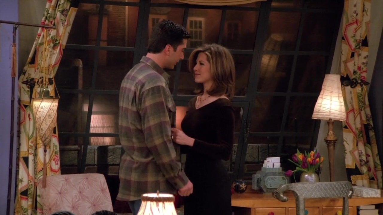 Recap of Friends Season 2 Episode 15 (S02E15) - 19 | Friends Outfits