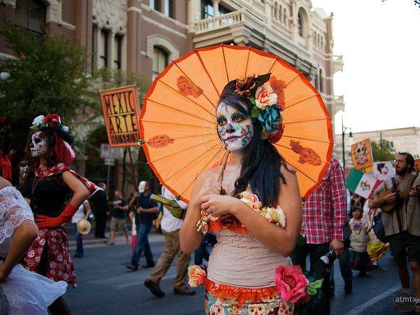Dia de los Muertos parade, Austin, Texas
