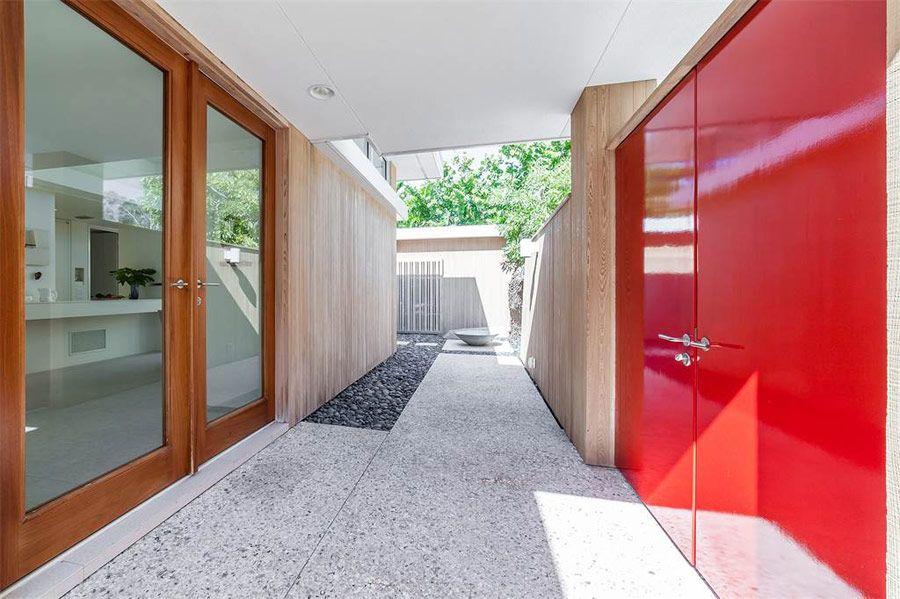 Florida's Sarasota School Revived In This Modern House Mid Century Mesmerizing Interior Design Sarasota Style