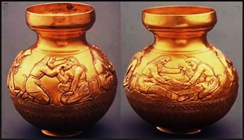 La extracción de una pieza dental y el vendaje de una pierna, son dos de las escenas que aparecen en este jarrón encontrado junto al cuerpo de una probable sacerdotisa, en una tumba real escita del Siglo IV a.c. Se trata según algunos autores de la representación de los primeros auxilios, y cuidados médicos después de una batalla.Esta pieza fue encontrada en 1830 en un kurgán o túmulo de Kul-Oba en Crimea.
