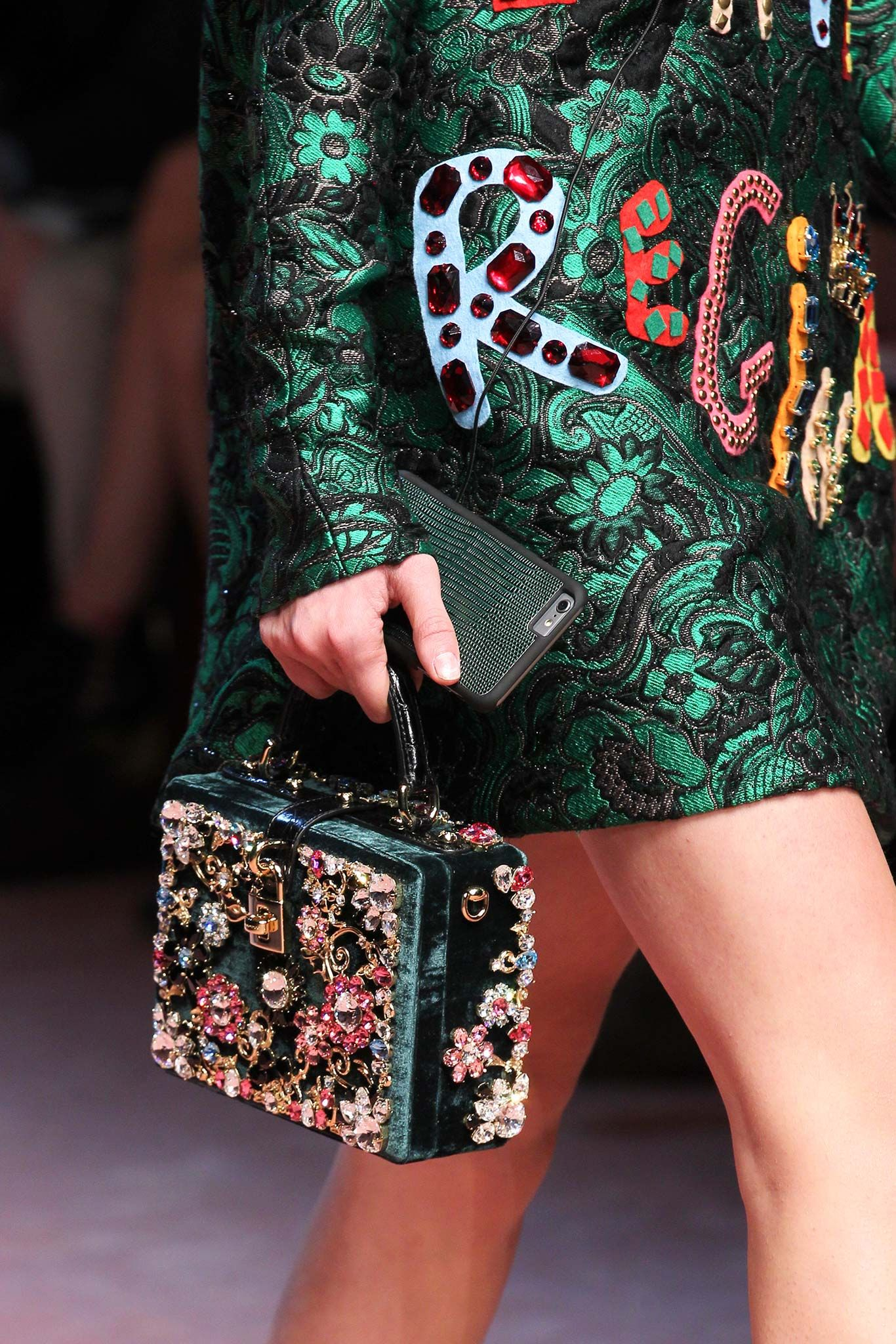 Dolce & Gabbana Fall 2015 Ready-to-Wear - Details - Gallery - Style.com