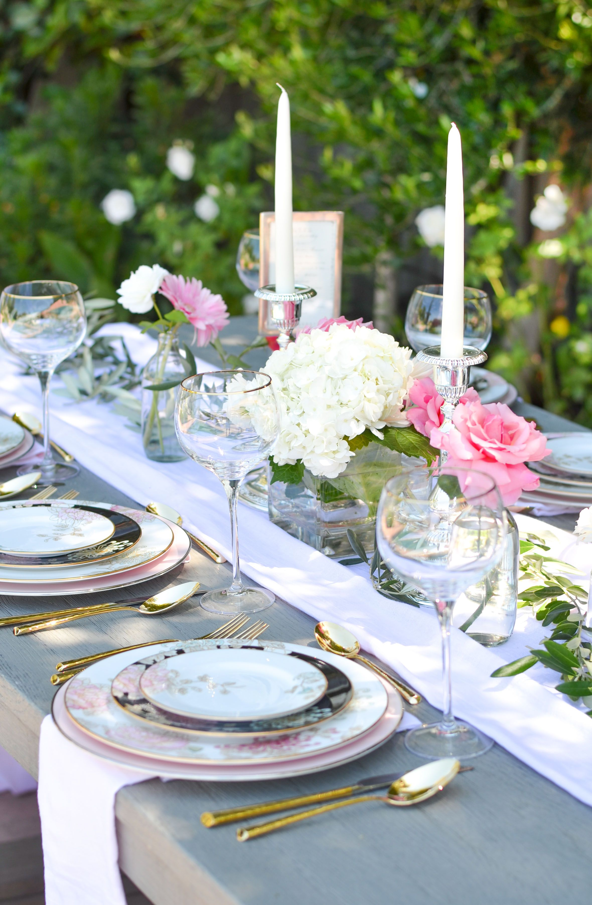 How to style Marchesa by Lenox Painted Camellia Dinnerware and Imperial Caviar flatware pink black white table setting gold flatware floral table setting ... & Bohemian Glam Table with Table+Dine and Marchesa u0027Painted Camellia ...