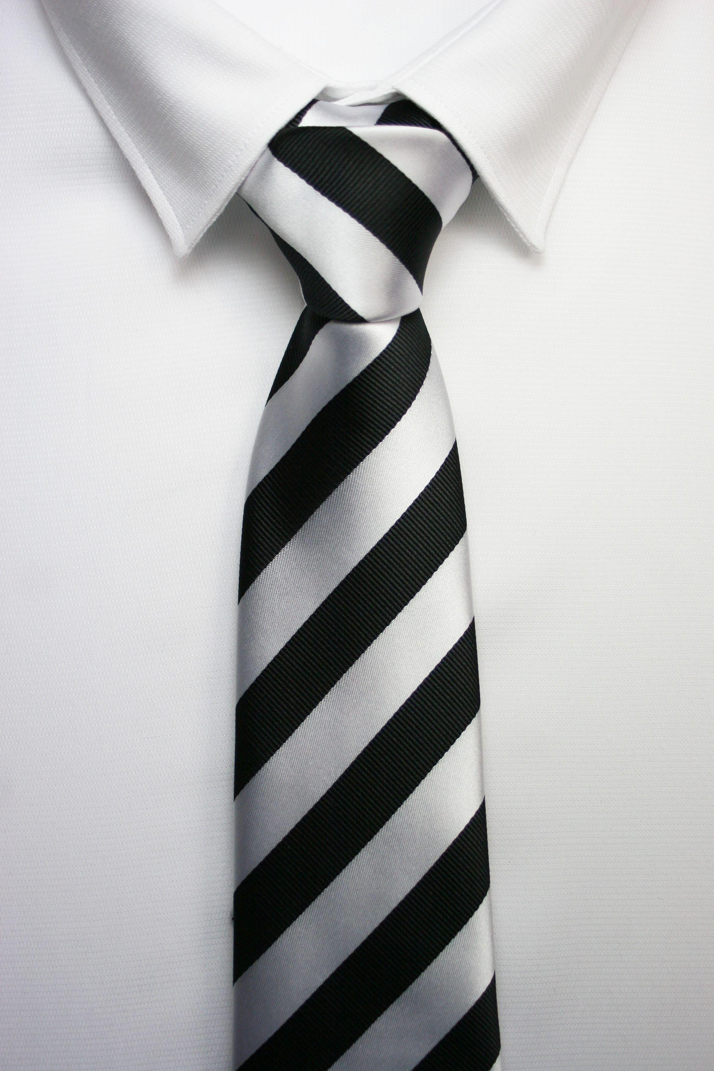 Venta de Corbata Raya Blanca Negra | me gusta | Corbatas