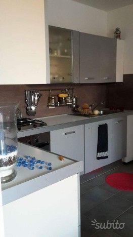 Arredamento E Casalinghi Mantova.Cucina Praticamente Nuova Arredamento E Casalinghi In Vendita A