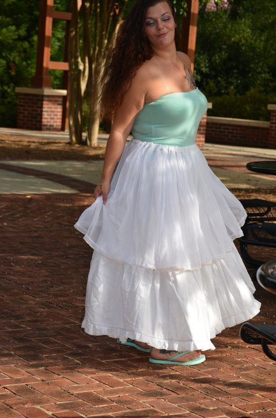 Custom order for Kristin-White Gypsy Skirt-Boho Twirl Skirt #twirlskirt This skirt is a custom order for Kristin-White Gypsy Skirt-Boho Twirl Skirt Please contact me for your own custom made skirt. This flowy, twirly skirt has a drawstring waist band and is flattering on most sizes. It is 36 inches long and the drawstring waistband makes it flattering on most sizes. Feel free to contact me if you have any questions about the item or wholesale pricing. I am always happy to hear from you. All of m #twirlskirt