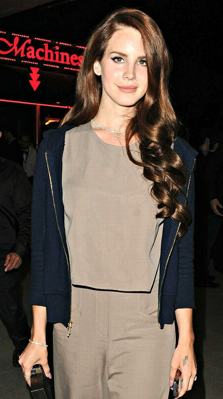 Lana del rey street style tan outfit blue jacket lana del rey lana del rey street style tan outfit blue jacket kristyandbryce Images