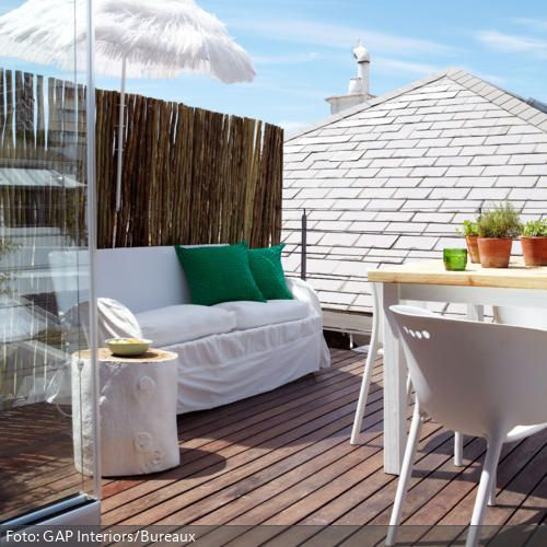 nat rliche dachterrasse mit lounge ecke seht mehr auf balkon dachterrasse. Black Bedroom Furniture Sets. Home Design Ideas