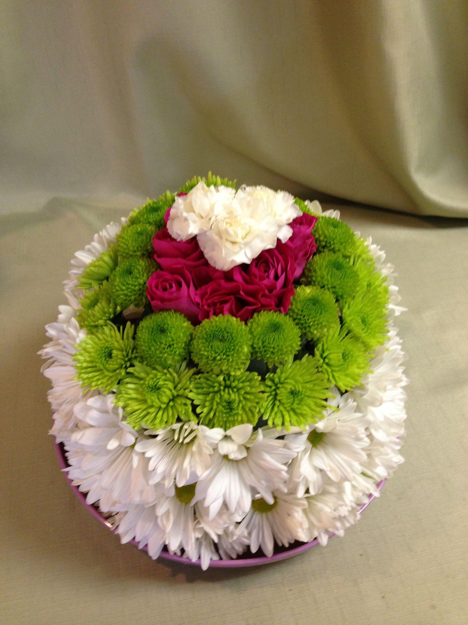 Fl Cake Schneider S Florist Springfield Ohio White Daisy Green On Poms Hot Pink Spray Roses