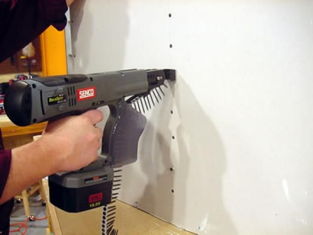 DIY Network host David Thiel reveals a cool tool that makes installing drywall easy.