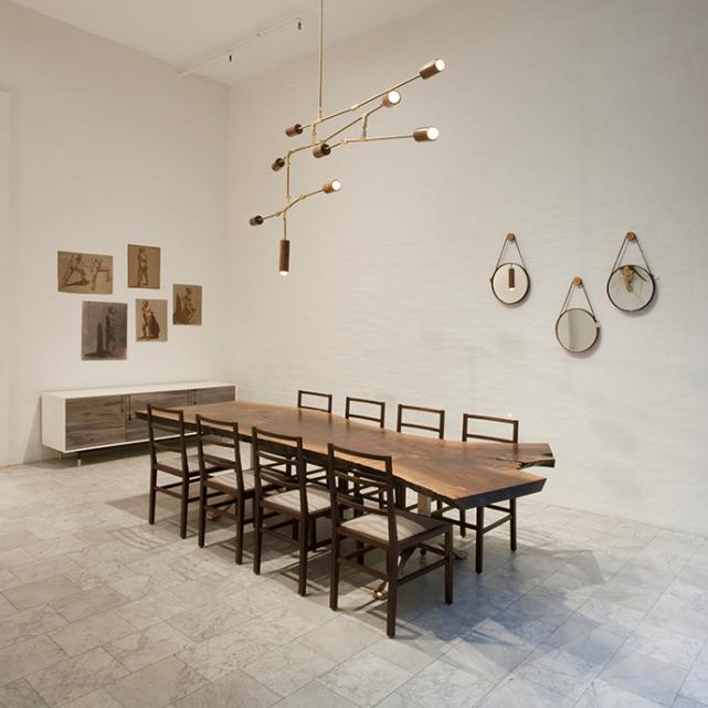 En su estudio de Nueva York, diseñan, construyen el prototipo y el posterior diseño definitivo, así como, muestran sus trabajos. Las ideas...