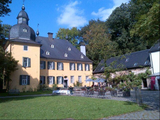 Historische Schloss auf dem man standesamtlich heiraten