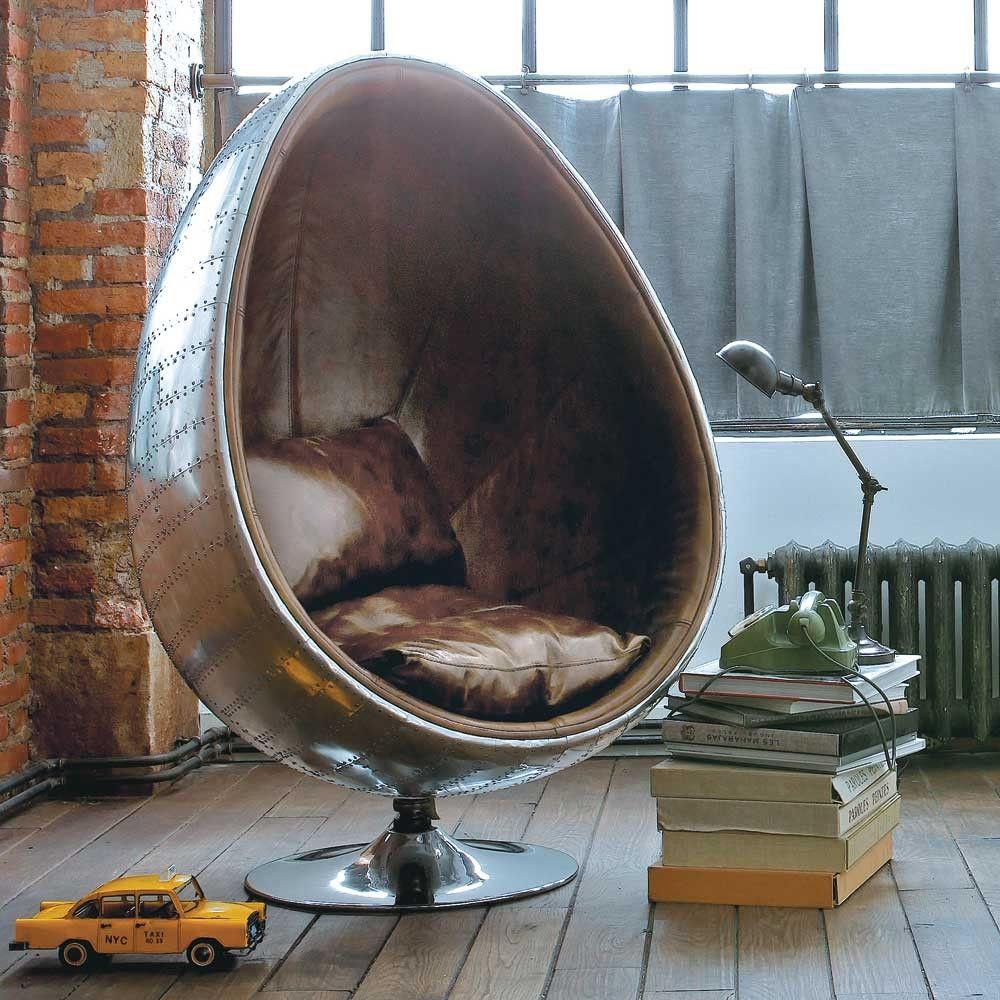 Egg Chair Bruin Leer.Industriele Eivormige Fauteuil Van Bruin Leer Home Goods Decor