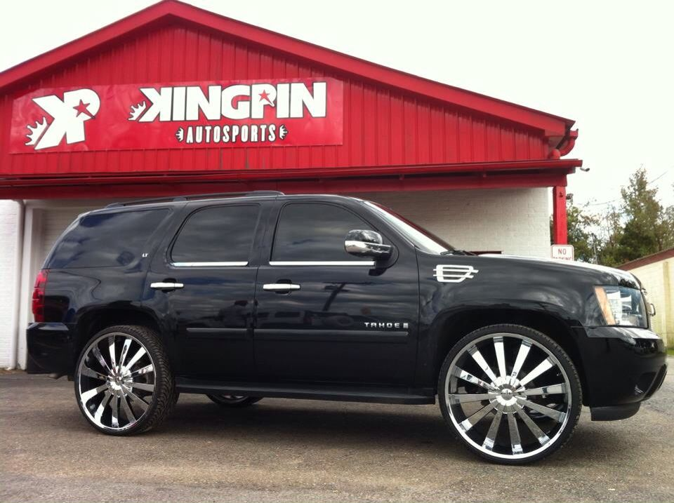 Black Chevy Tahoe Sittin On 28 Inch Rims Chevy Tahoe Black Chevy Tahoe Chevy