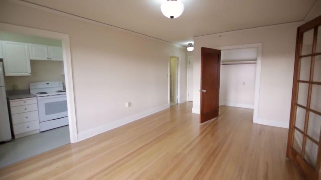 Commodore Duchess Apartment Home Decor