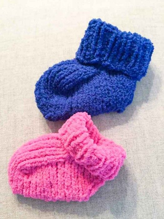 Baby booties in sizes small and medium knitted with Red Heart\'s ...