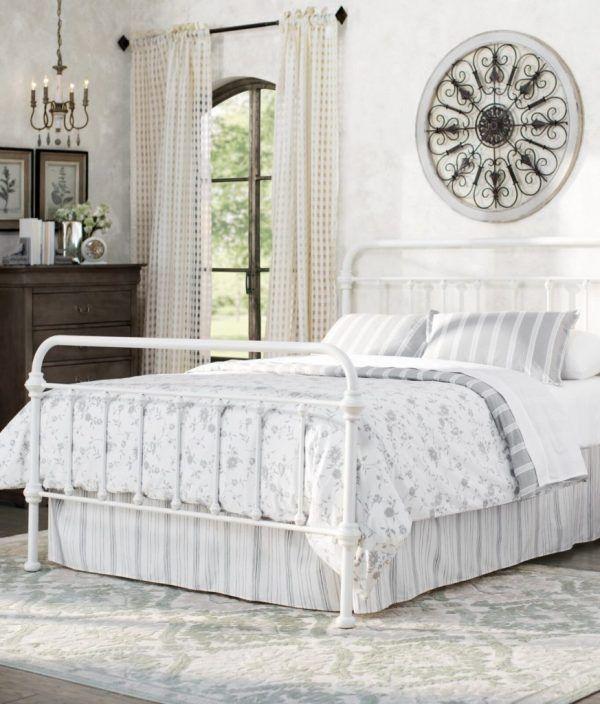 20 Dreamy Farmhouse Bedroom Ideas   DIY Darlin'   Panel ...