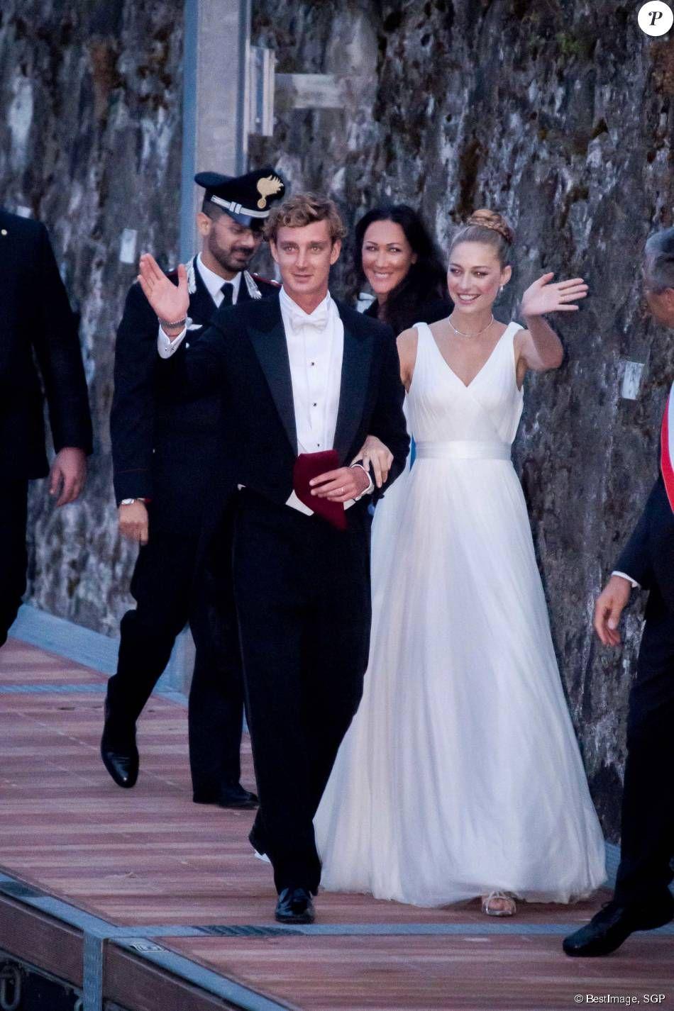 Pierre Casiraghi Et Beatrice Borromeo Un Mariage De Reve Wedding Dresses Celebrity Weddings Bride