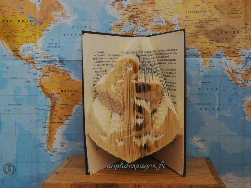 ancre pliage de livre pliage de livres folded book. Black Bedroom Furniture Sets. Home Design Ideas