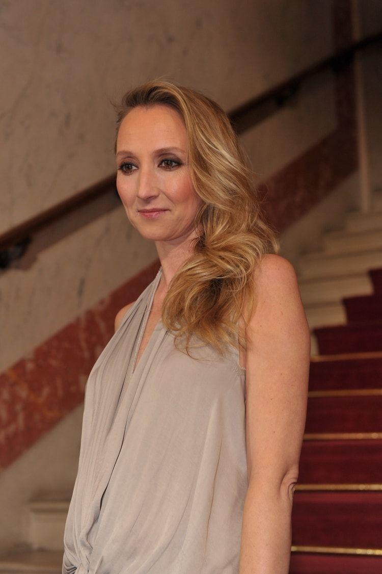 La Coiffure Glamour D Audrey Lamy Les Looks Des Stars In 2018
