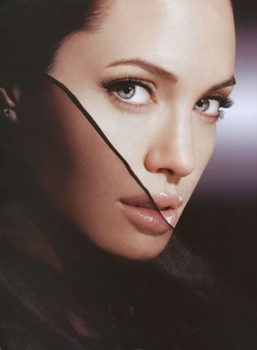 Pin by RamouzS R on Faces   Angelina jolie, Angelina jolie