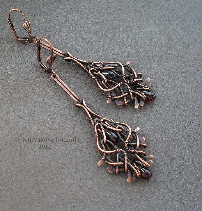 VERSAILLES earrings, copper, Indian garnet, forging, patina, completely handmade. by KL-WireDream on DeviantArt