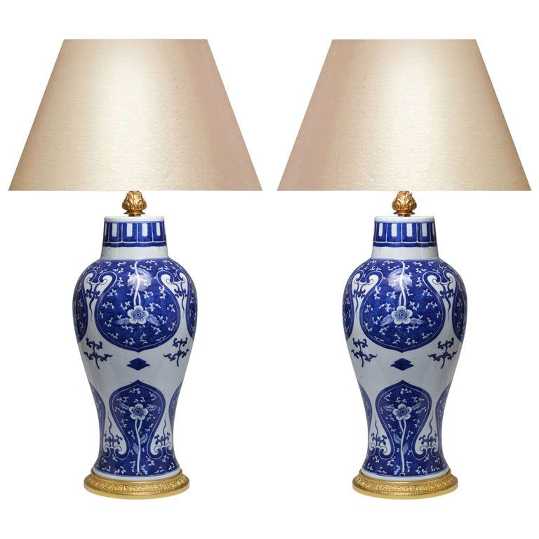 Pair Of Blue And White Porcelain Lamps In 2020 White Porcelain Porcelain Blue White