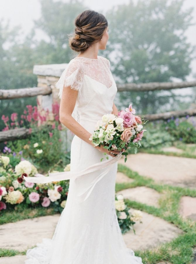 Can you say gorgeous bride! http://www.stylemepretty.com/2016/10/14/fall-wedding-inspiration/ Photography: Simply Sarah - http://simplysarah.me/
