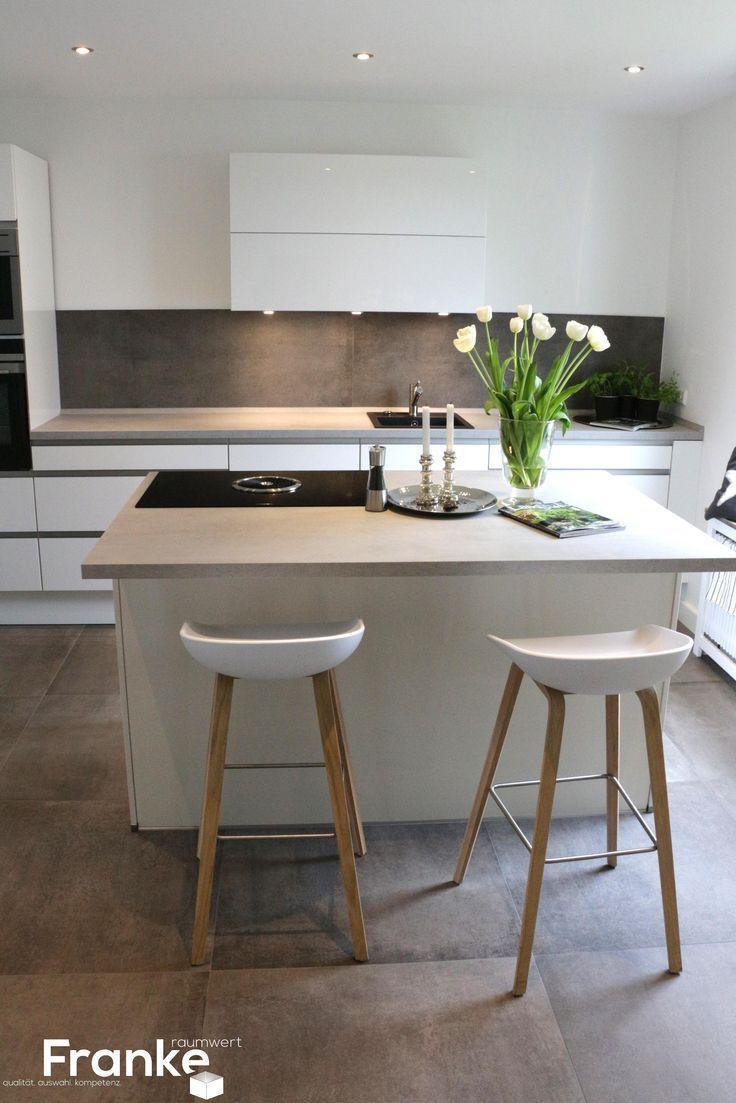 serie prima materia mit einer gewachsten oberfl che sowohl als wandfliesen als k che. Black Bedroom Furniture Sets. Home Design Ideas