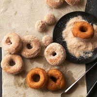 spiced pumpkin donuts via @Kathryn Grady