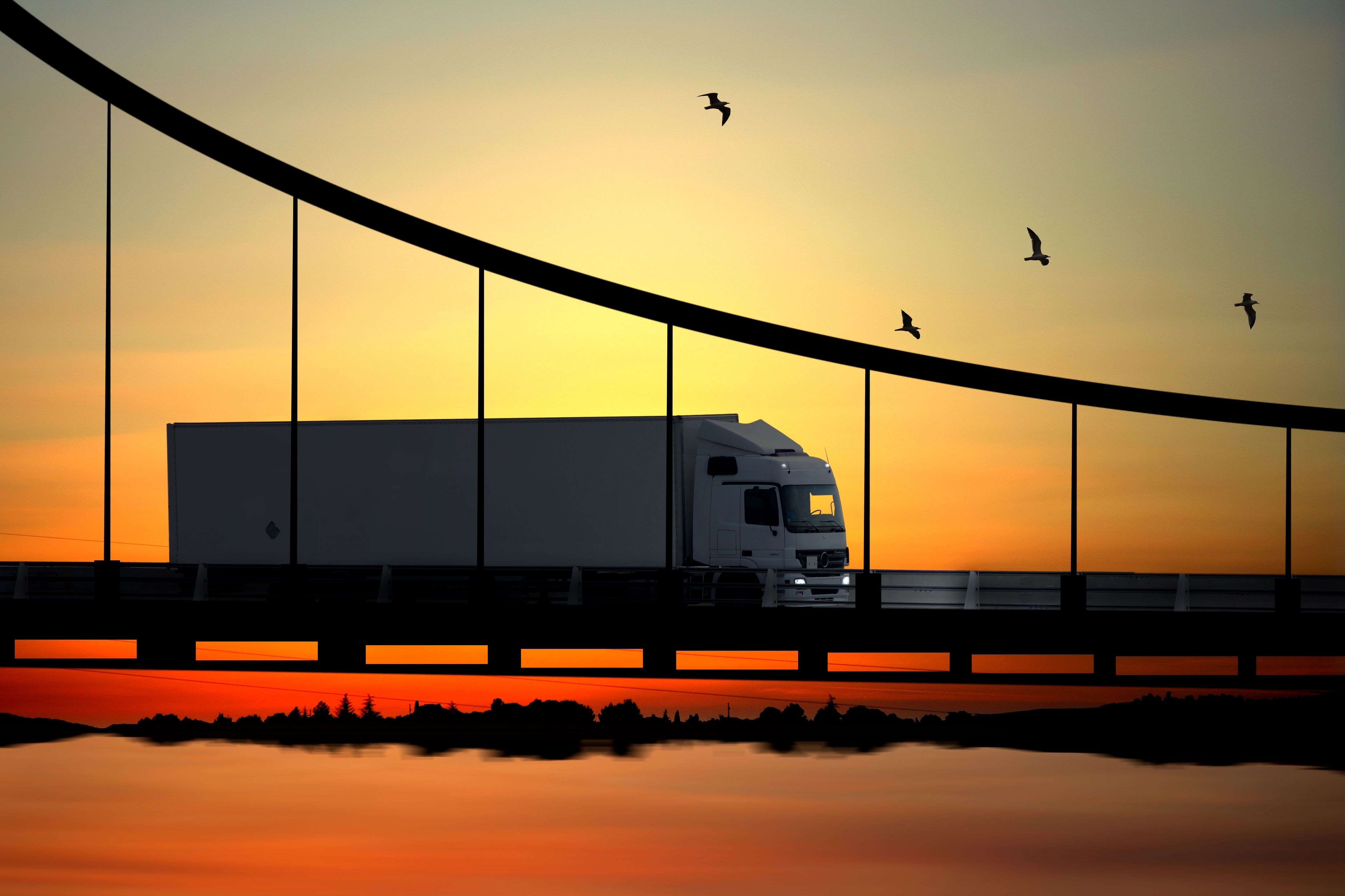 Federal Law Requires Commercial Trucks to Carry Liability