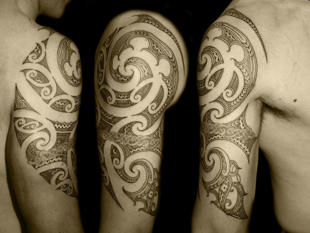 Maori tree frog tattoo shoulder full arm rincyhdtattoo for Celtic frog tattoo designs