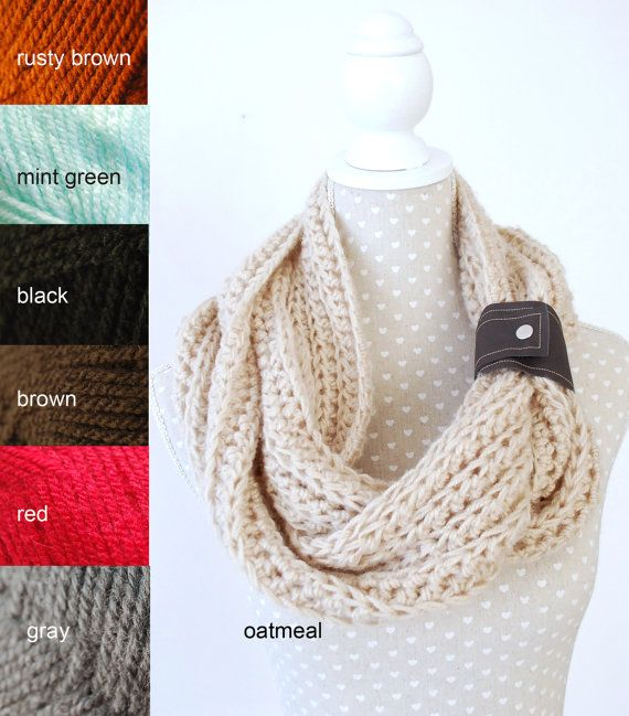 PICK your COLOR Chunky Crochet Infinity Scarf by stunninglooks, €23.45