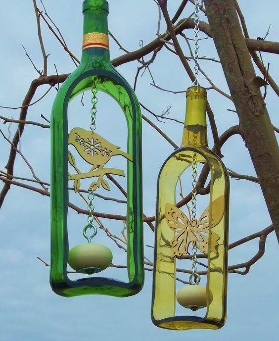 wine bottle wind chime with wooden knocker groovy green. Black Bedroom Furniture Sets. Home Design Ideas