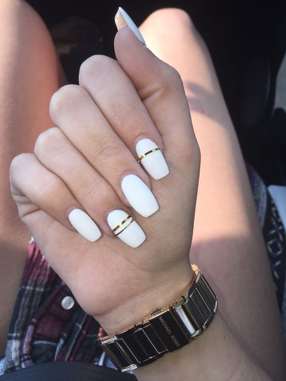 Romantic And Stylish White Nail Designs And Ideas This Fall White Coffin Nails White Acrylic Nails Long Wh White Acrylic Nails Gold Nails Matte Nails Design