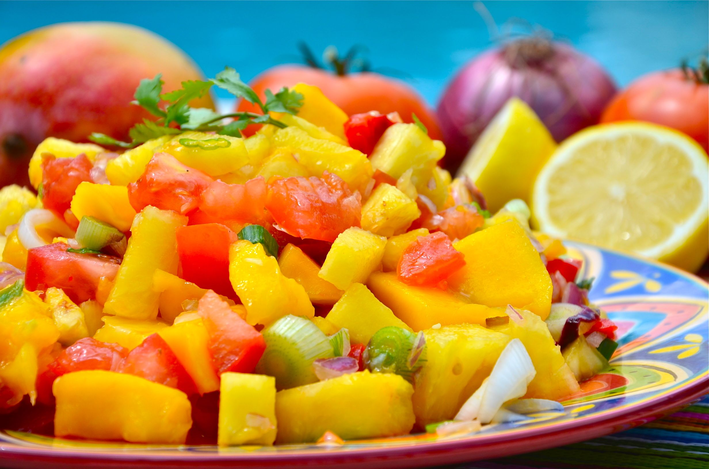 Raw pineapple mango salsa even comes with a youtube recipe video raw pineapple mango salsa even comes with a youtube recipe video that has salsa forumfinder Image collections