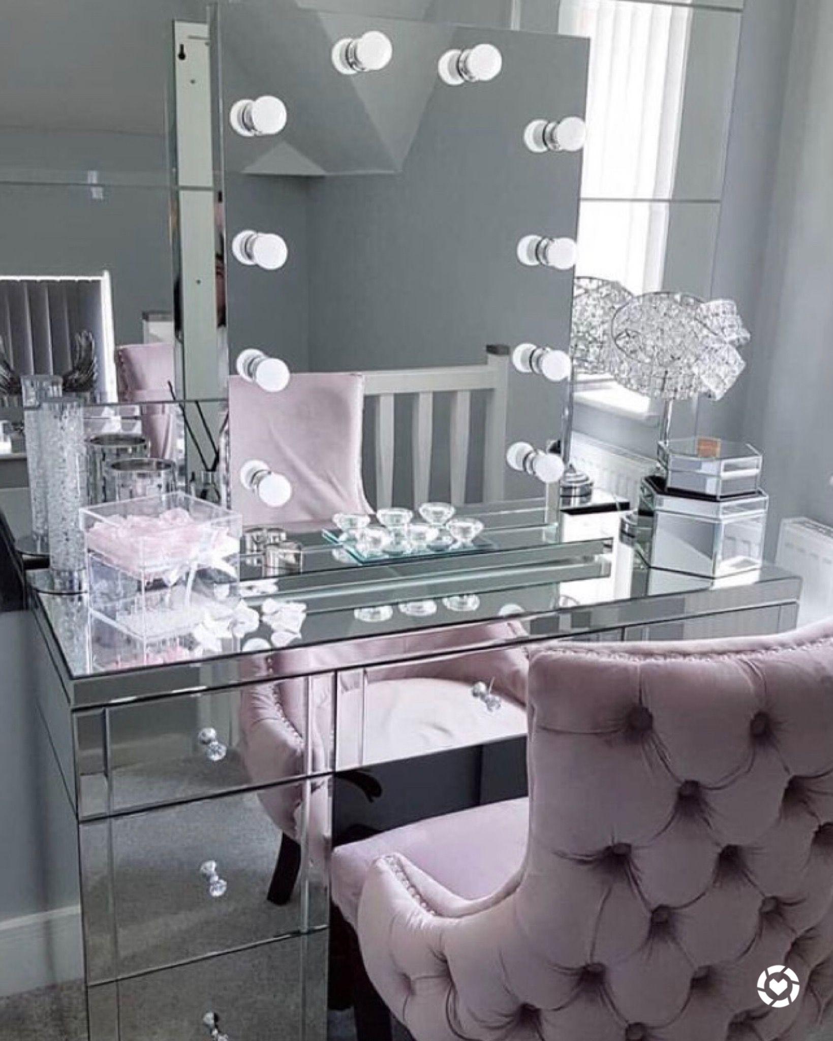 mirrored makeup vanity