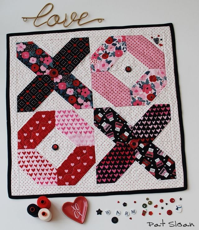Hello Luv! A new free table mat pattern Quilts, Heart