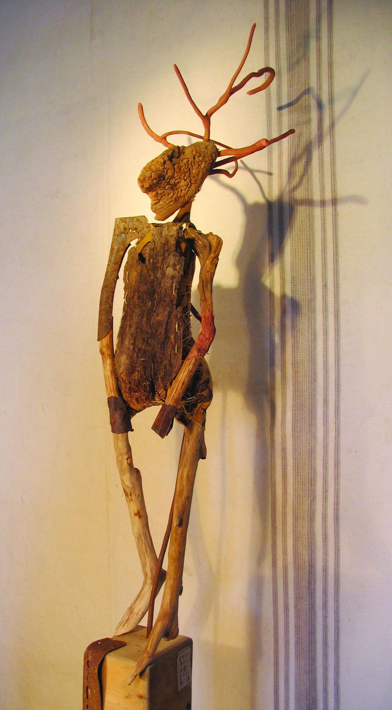 Le faune sculpture bois flott tissu m tal co for Realisation bois flotte