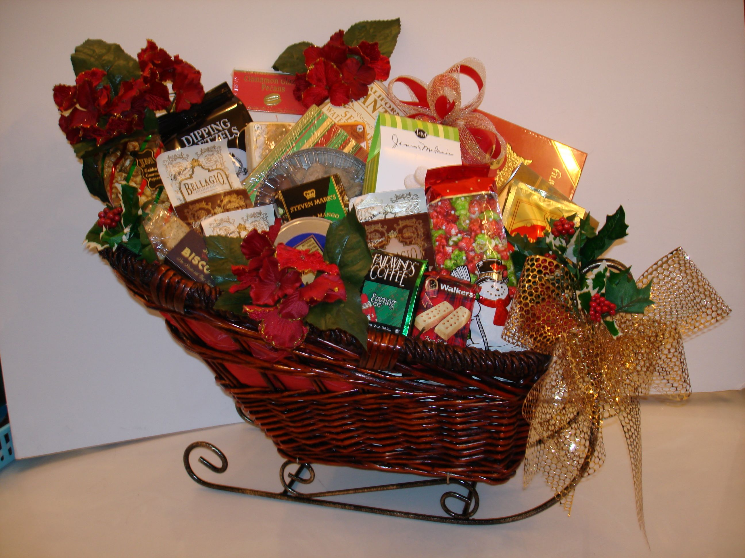 Gift Baskets – A Little of Everything | Christmas Gift Basket ...