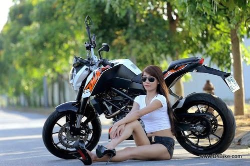 motorcycle girl Ktm