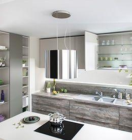 Küche Arcos Canyon: Zeitlose Küche In Hellen Farben Plus Holdekor ✓  Kücheninsel Mit Kochfeld ✓