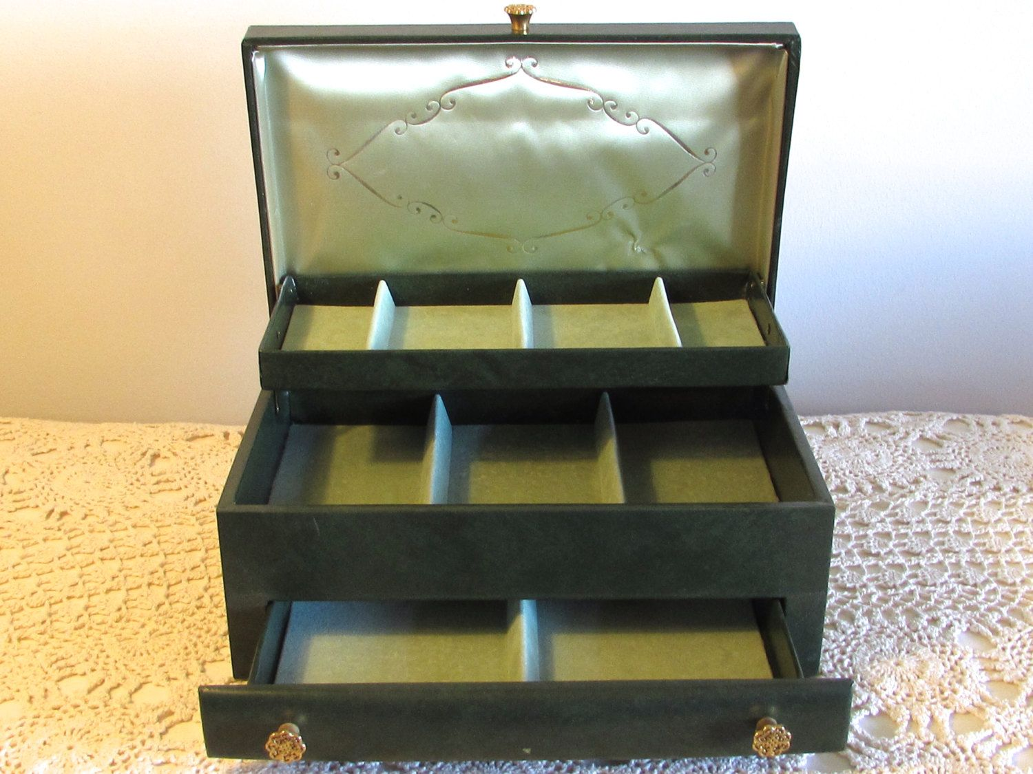 Green Simulated Leather Jewelry Box 3 Tier Buxton Jewelry Storage