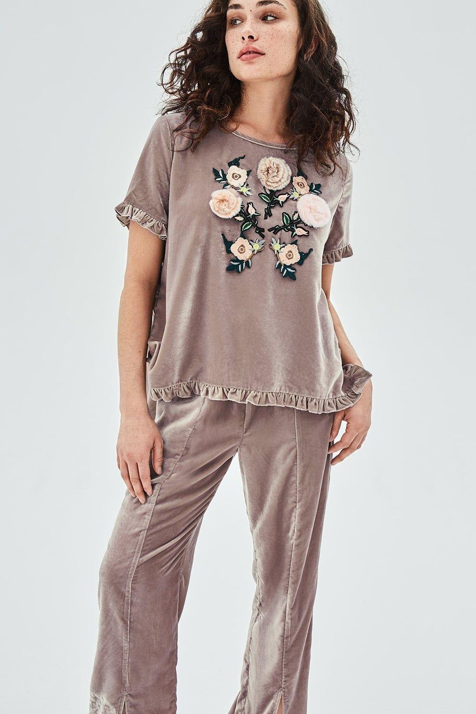 c43df26dbf898 AMARYLLIS Velvet Tee With Furry Applique Flowers